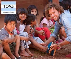TOM's One for One : lunettes et chaussures pour les enfants démunis