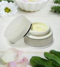 Pourquoi vous devriez passer aux cosmétiques naturels