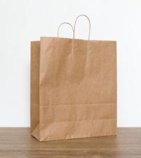 Compter sur le sac en papier kraft pour remplacer le plastique