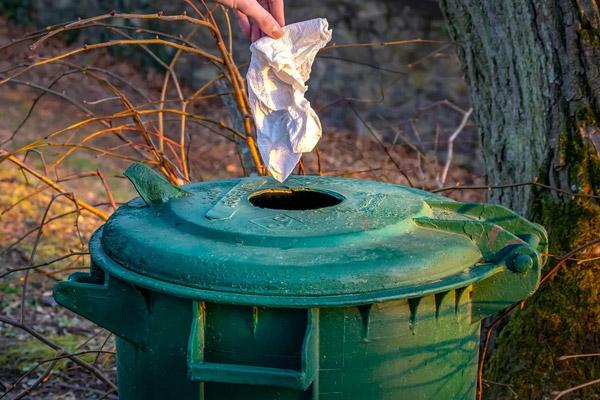 Papier en entreprise : importance du recyclage et différentes solutions