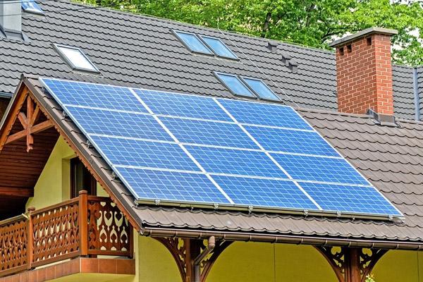 Que faut-il savoir des régulateurs solaires et leur fonctionnement
